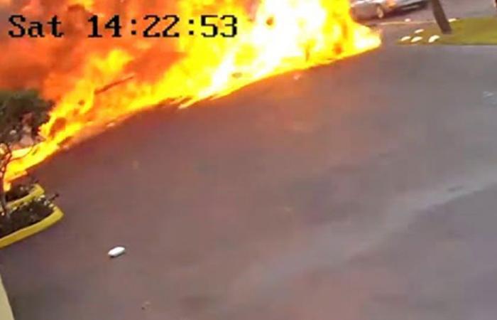 بالفيديو…طائرة تصطدم بمستشفى للأولاد وتنفجر