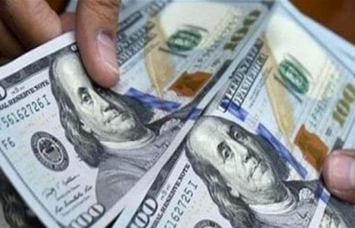 الدولار يرتفع.. ومخاوف من ركود اقتصادي محتمل