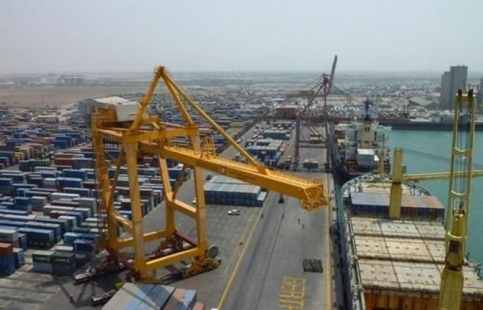 اليمن | التحالف: ميليشيات الحوثي تمنع دخول السفن إلى الحديدة