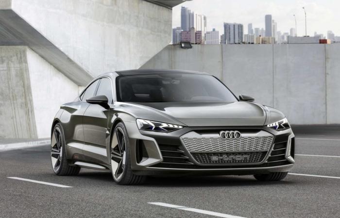 أودي تعرض السيارة التجريبية Audi e-tron GT