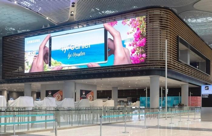 سامسونج تركب أكبر لافتة LED في العالم في مطار إسطنبول الجديد