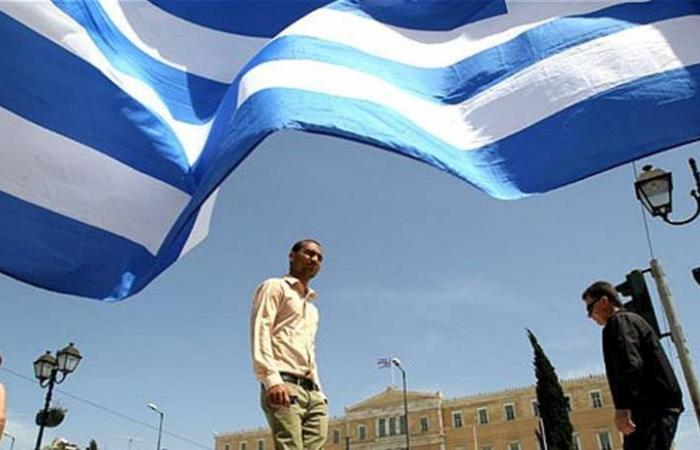 اليونان تبنّت ميزانيتها الأولى بعد خروجها من الأزمة المالية