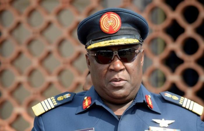 مقتل رئيس أركان سابق للجيش النيجيري بالرصاص