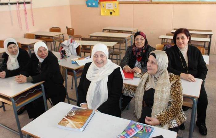 بالصورة: بهية الحريري على مقعد الدراسة
