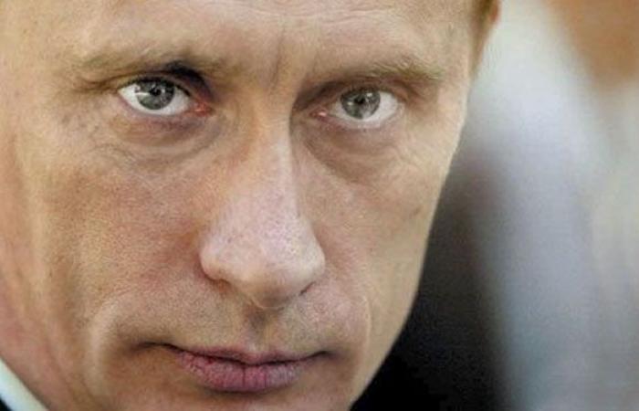لماذا يرفض بوتين استخدام الهاتف المحمول؟