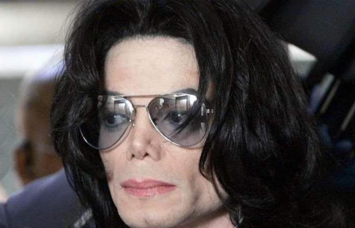 قبل وفاته.. هل غنى مايكل جاكسون 'الحمد لله'؟ (فيديو)