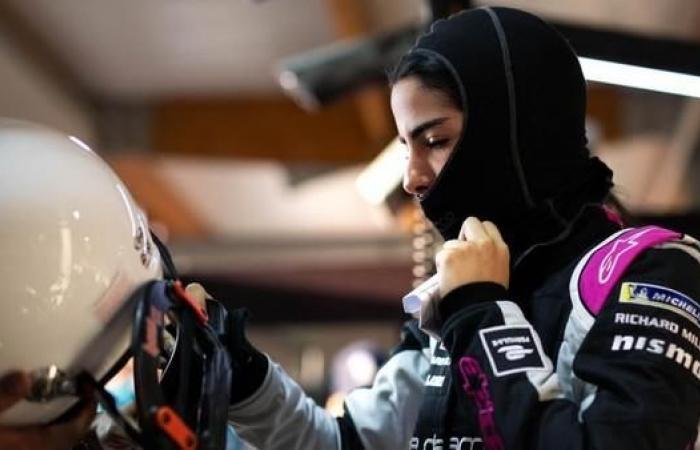"""الخليح   أصغر متسابقة سعودية في حلبة """"فورمولا إي"""" العالمية"""