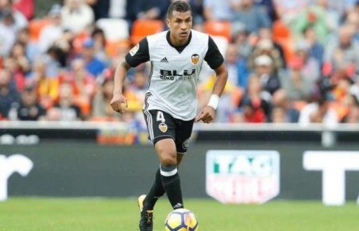 برشلونة يتعاقد مع الكولومبي موريو
