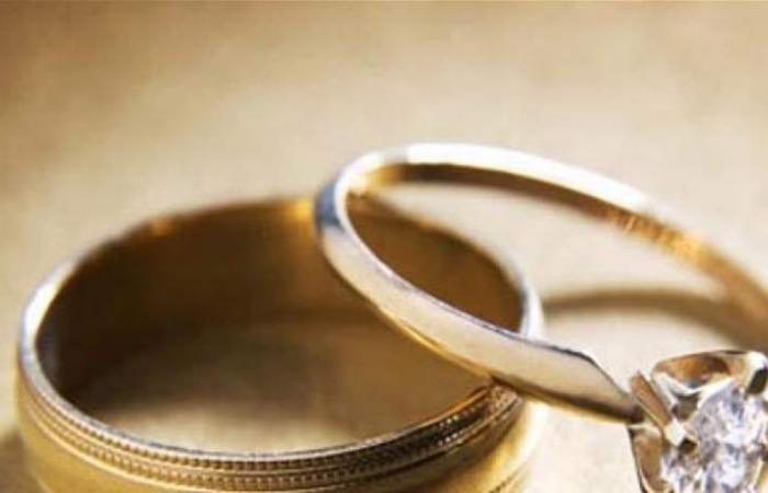 زواج سريّ يجمع نجمة شابة وممثل شهير