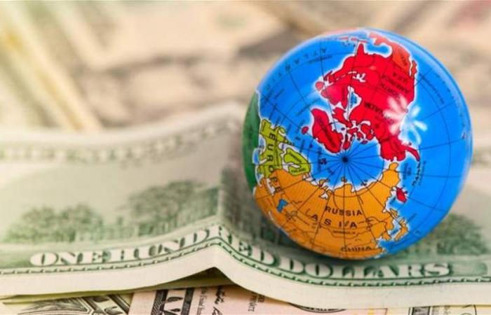 هبوط بأسعار النفط وارتفاع مستويات الدين.. تحذيرات من 'عاصفة مالية' بحلول 2019!