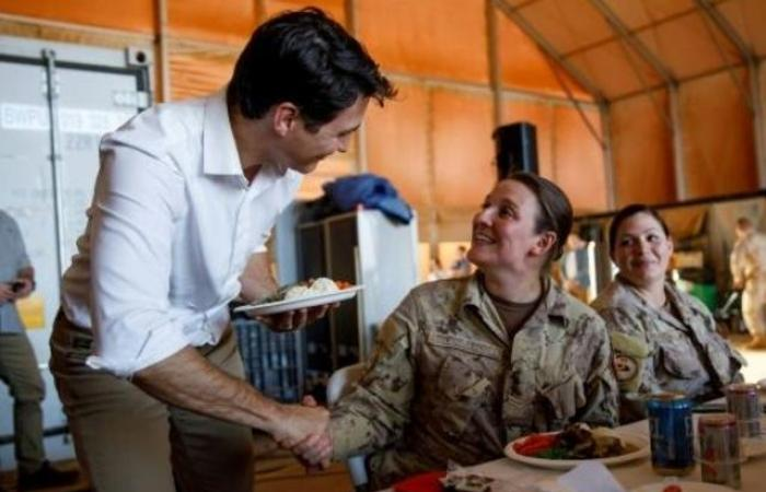 ترودو يتفقد القوات الكندية في مالي خلال زيارة ميلادية مفاجئة