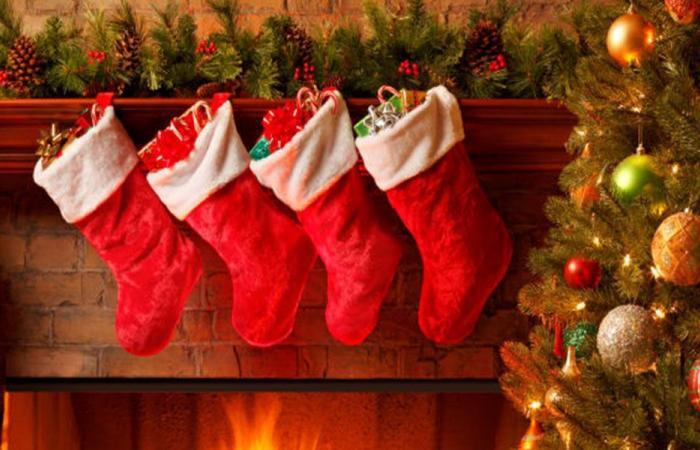 """ألوان عيد الميلاد… وما علاقة """"كوكا كولا""""؟"""