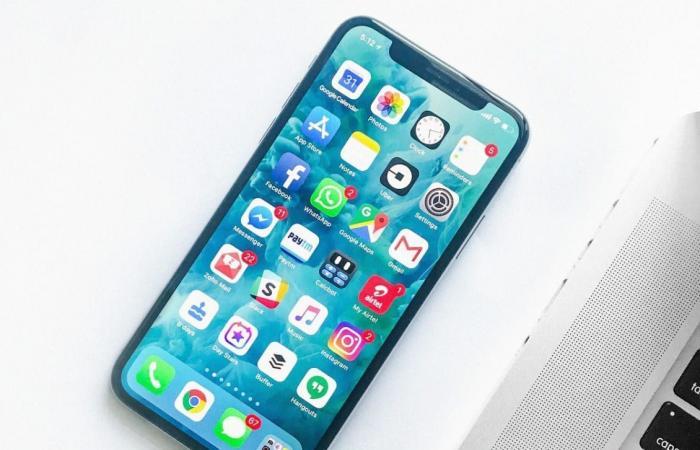 تقرير: آبل تهيمن على مبيعات الهواتف الذكية المتميزة