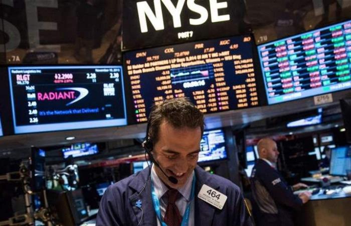 'وول ستريت' بأسهم مرتفعة.. وآمال بوقف الحرب التجارية بين أميركا والصين