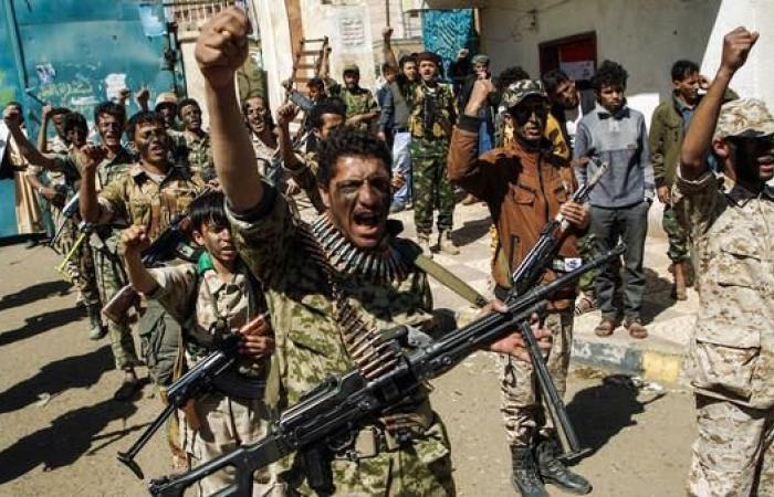 اليمن   ترهيب القضاة.. عناصر حوثية تعتدي على قاض في صنعاء