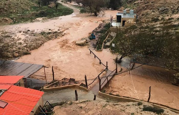 طرقات بلدة مراح السراج منكوبة! (بالصورة)