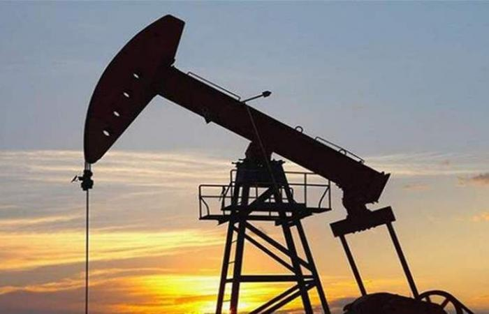 الرياض ستخفض صادرات النفط بمقدار 800 ألف برميل يومياً