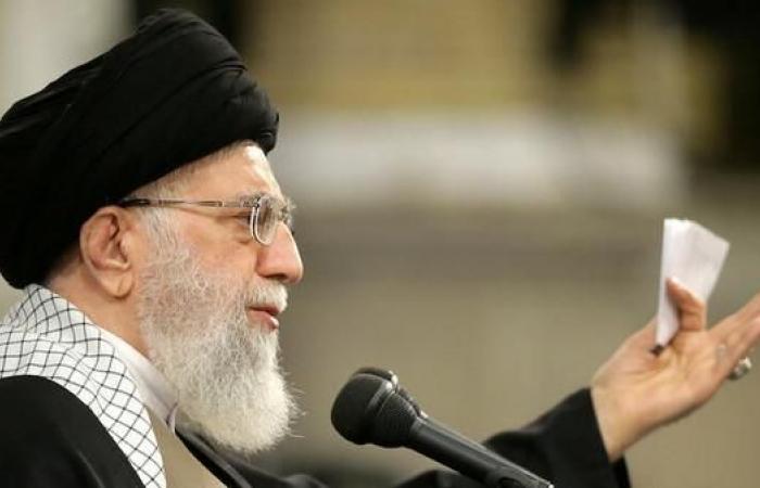 إيران | خامنئي يقر: العقوبات الأميركية تضغط على البلاد