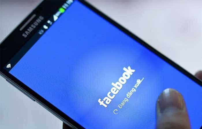 مستخدمو هواتف سامسونج لا يمكنهم إزالة تطبيق فيسبوك من أجهزتهم