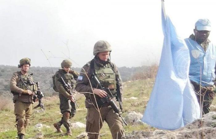 مكعبات إسمنتية إسرائيلية مقابل العديسة (بالصورة)