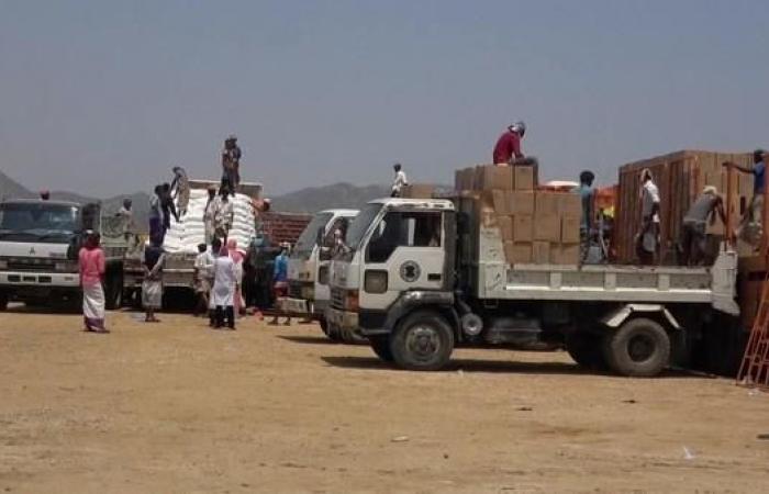 اليمن | بعد فضائح المساعدات.. محاولة حوثية لنهب منحة للمعلمين
