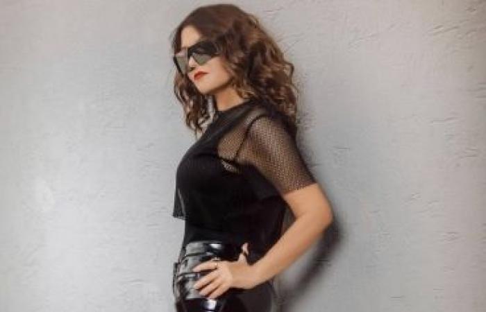 سميرة سعيد بإطلالة عصرية وشبابية غير مسبوقة (صور)