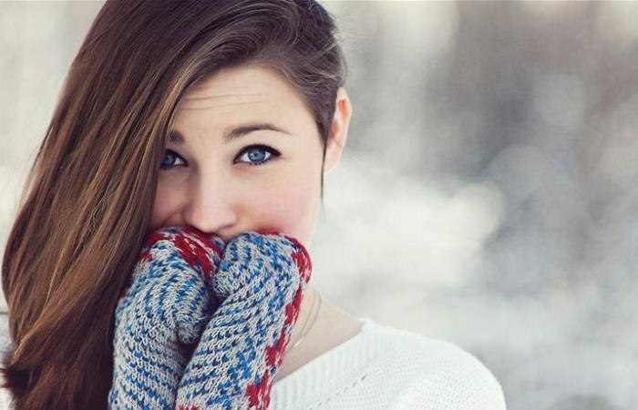 تعلمي كيف تحمين شعرك في الشتاء