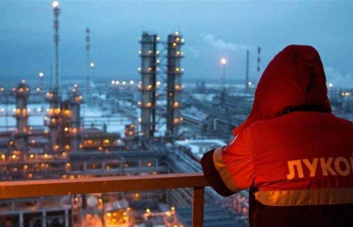 بعد إتفاق 'أوبك'.. روسيا تخفض إنتاجها من النفط