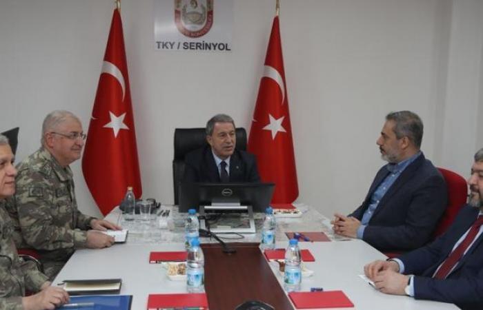 سوريا | حقان فيدان و وزير الدفاع التركي و قادة الجيش يجتمعون على الحدود مع سوريا