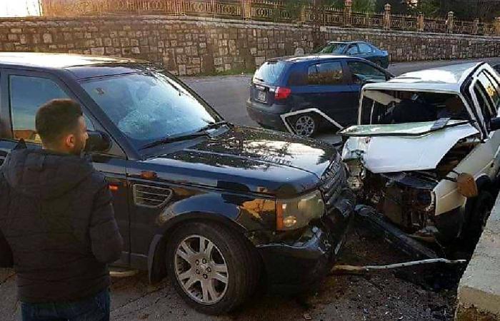 جريح في حادث سير على طريق ريفون