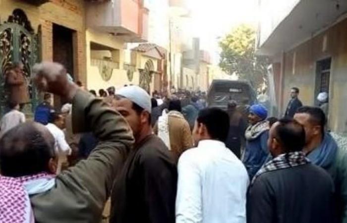 مصر   مصر.. احتكاكات طائفية في المنيا والكنيسة تحتج