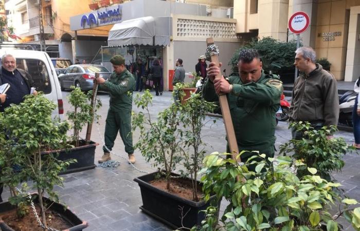 بالصور: فوج حرس بيروت أزال مخالفات في شارع الحمرا