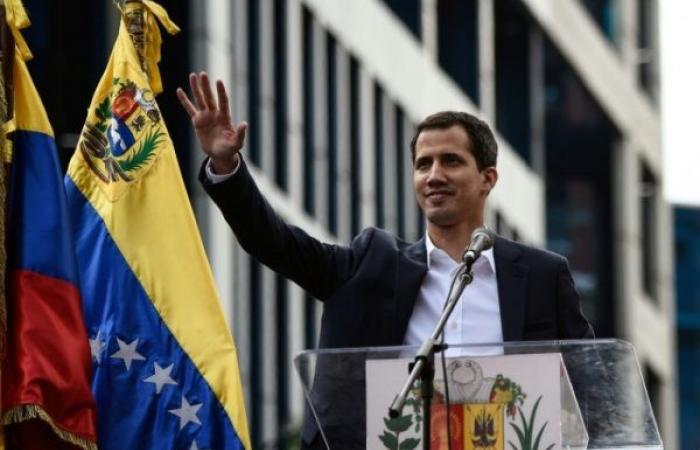 """خوان غوايدو """"الفتى"""" الذي يتحدى مادورو في فنزويلا"""