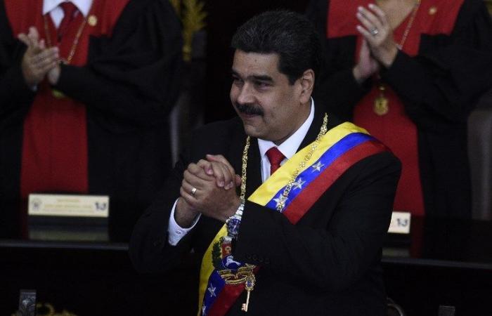 بوتين يعبر عن دعمه لمادورو