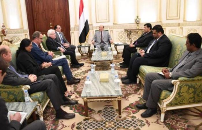 اليمن   هادي يلتقي غريفثس وكاميرت.. ويحذر من فشل اتفاق السويد