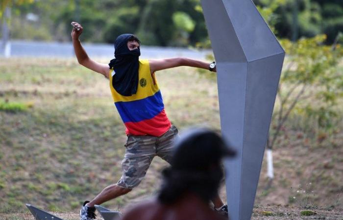 أزمة فنزويلا تبلغ ذروتها