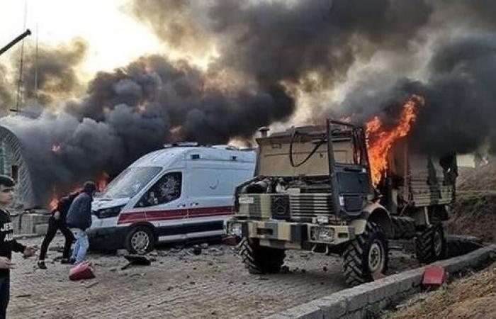 العراق | بالصور.. متظاهرون يقتحمون معسكرا تركيا في دهوك