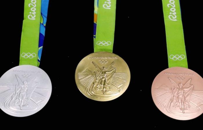 """ميداليات أولمبياد طوكيو مصنوعة من """"نفايات"""""""