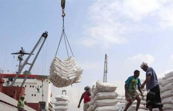كارثة في اليمن...مخازن حبوب الحديدة مهددة بالتعفن