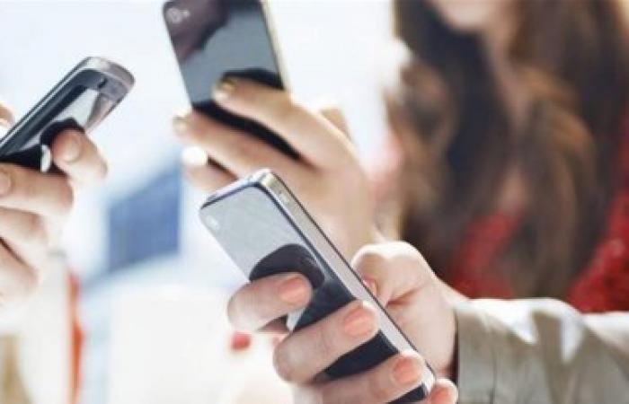 """قائمة بالهواتف الأخطر في العالم بدرجة """"قاتل للمخ"""".. هل هاتفك من بينها؟"""