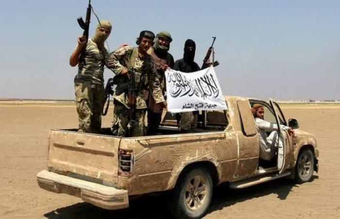 سوريا   سباق نحو إدلب..تصفيات داخل النصرة وعين تركيا على الدمج