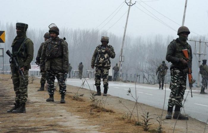"""الهند تتوعد ب""""ثمن غال"""" اثر مقتل عشرات من قواتها في كشمير"""