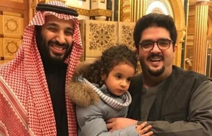 الخليح | محمد بن سلمان يزور الأمير عبدالعزيز بن فهد في منزله