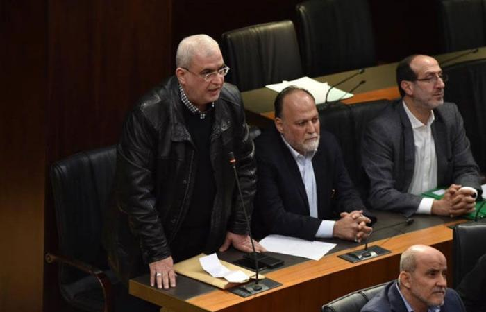 """اتصال من القصر وتهديدات بالمقاطعة وراء اعتذار """"حزب الله"""""""
