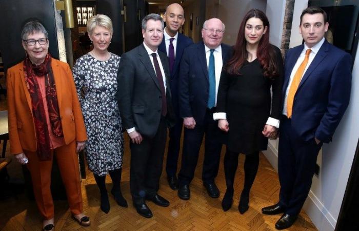 سبعة نواب ينشقون عن حزب العمال البريطاني