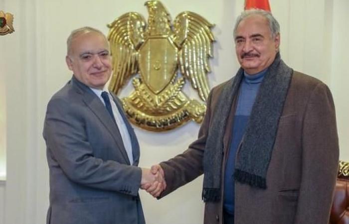 ليبيا.. رفع حظر الطيران جنوبا و3 ملفات بين حفتر وسلامة