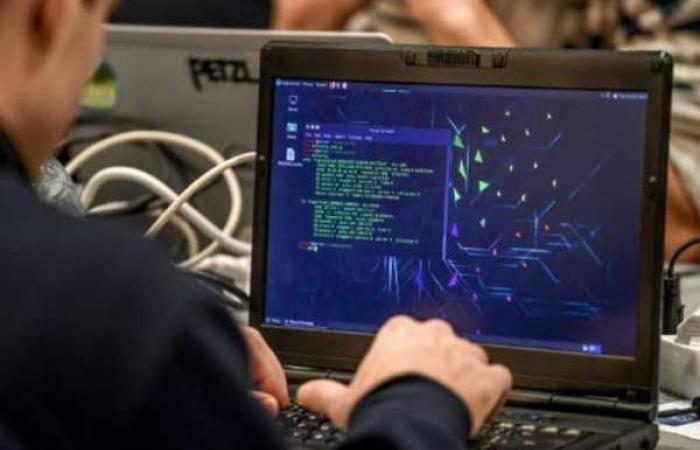 تحذير من هجمات على البنية التحتية للانترنت