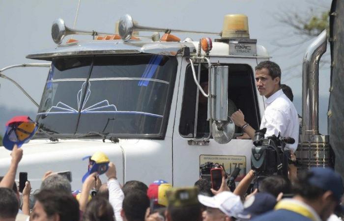 غوايدو يعلن دخول شحنة أولى من المساعدات إلى فنزويلا