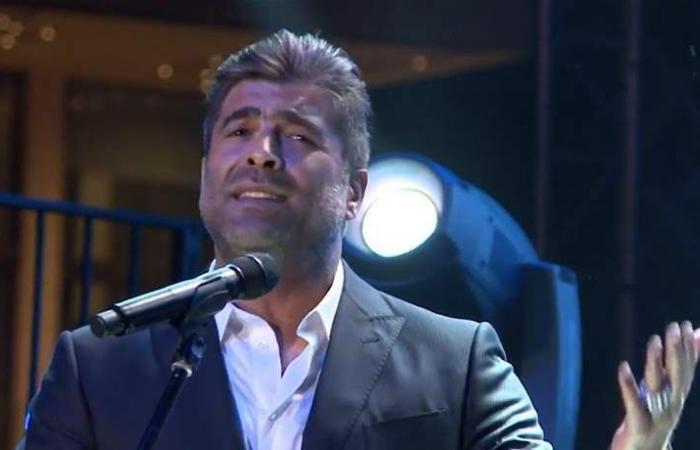 رقص وغناء.. هكذا أشعل وائل كفوري مسرح دبي (فيديو)