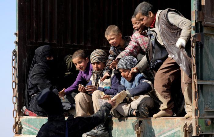 سوريا | الفارون من جحيم داعش في الباغوز.. جوع وعطش وأمراض